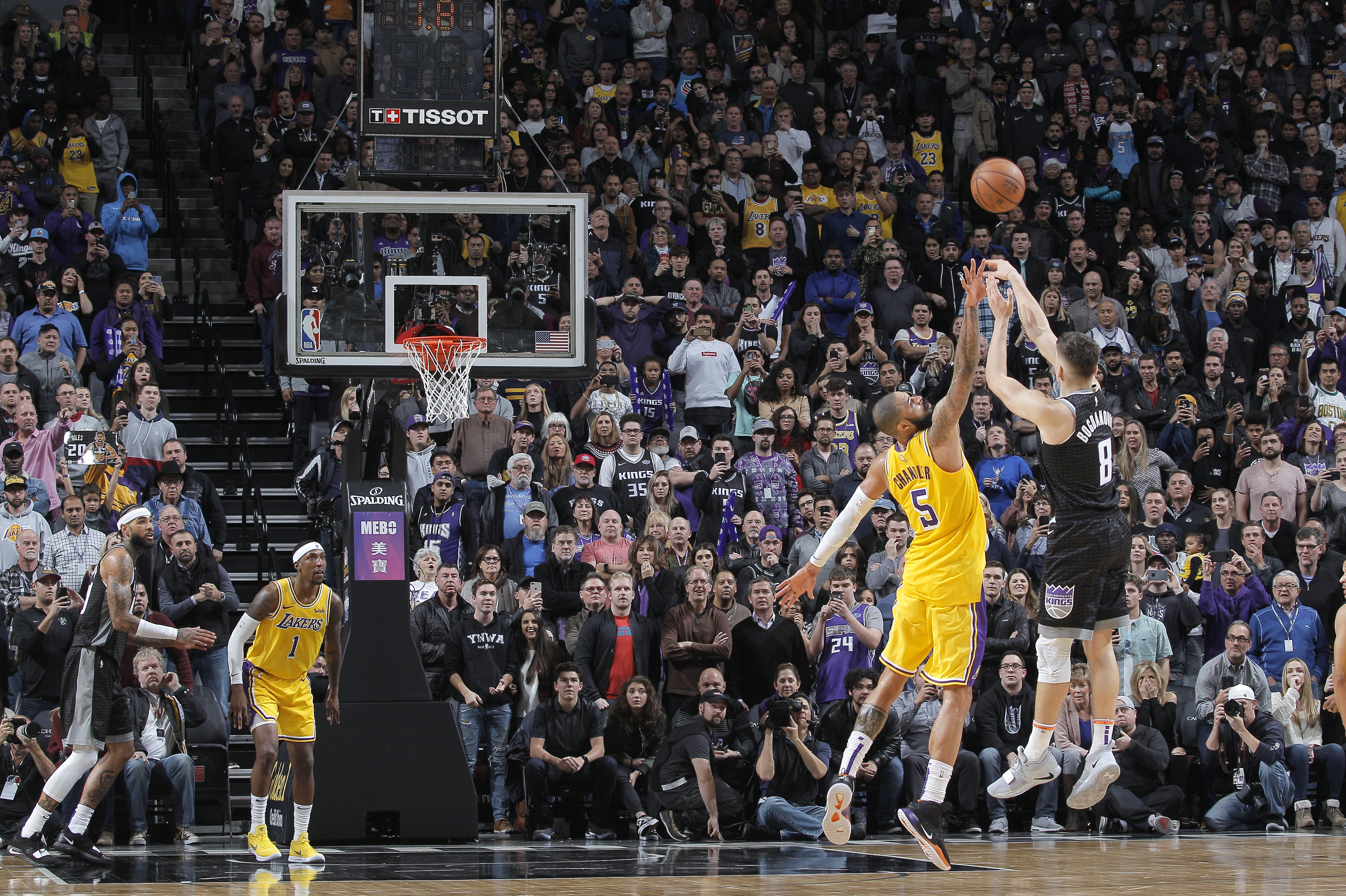 Top 10 Buzzer-Beaters In Sacramento Kings History